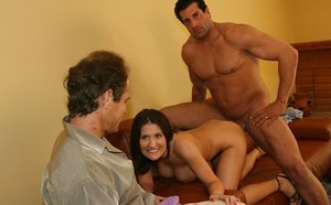 Wifey Austin Kincaid Gets Collective with..