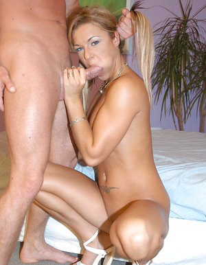 Blondie getting banged